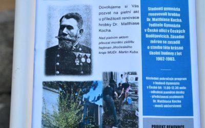 Odhalení pamětních desek v českobudějovickém gymnáziu Česká.